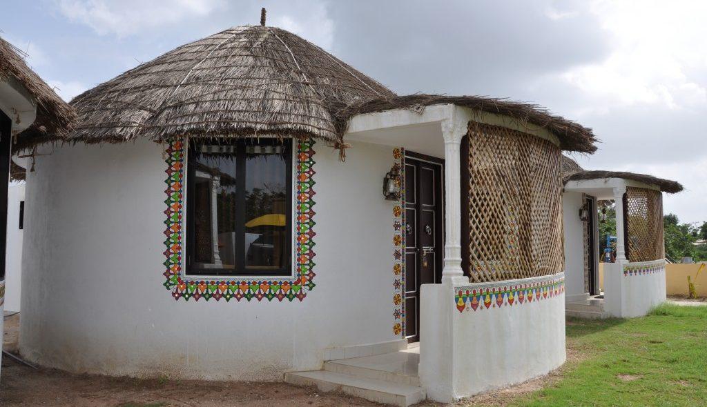 AC-Cottagemud-house1-2